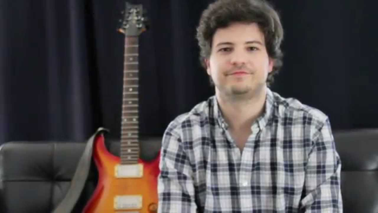 Gonçalo Crespo and a guitar